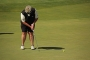 Laura-Davies-putting-Vic-Open